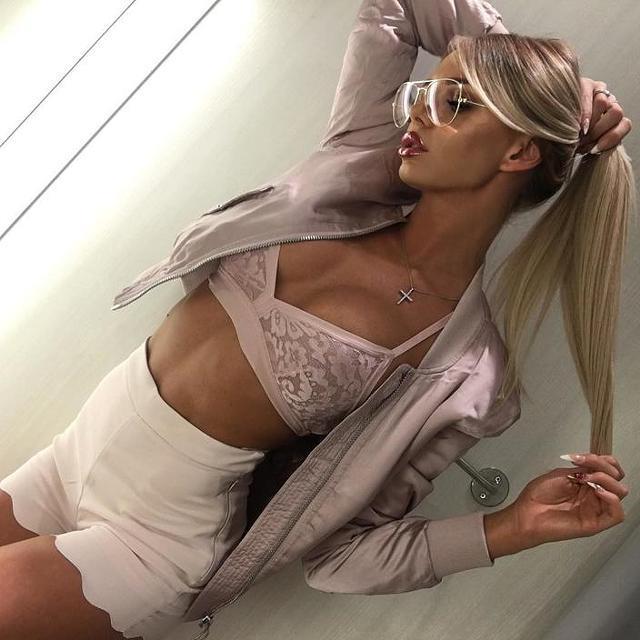 blonde-escort-3340.jpg