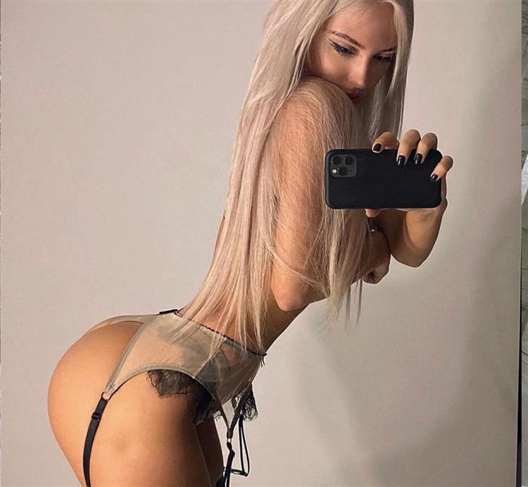 blonde-model-dubai-escort-6858.jpg