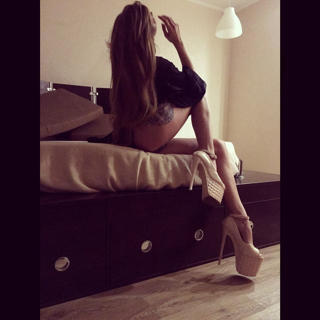 pornstar-escort-dubai-7830.jpg