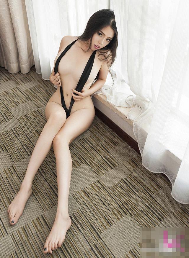 very-sexy-dubai-escort-2642.jpg
